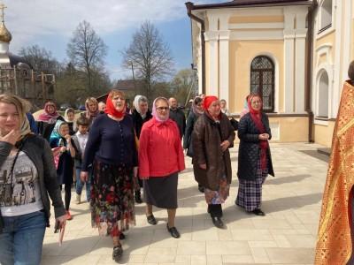 Празднование дня жен-мироносиц